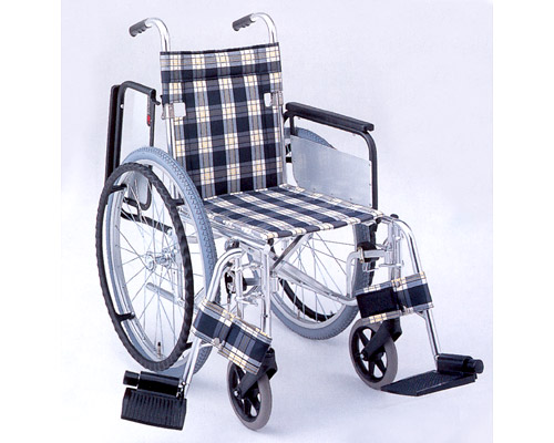 アルミ自走式車椅子 肘跳ね上げ&スイングアウトタイプ MW-34F (背折りたたみ) 松永製作所 【smtb-kd】【介護用品】