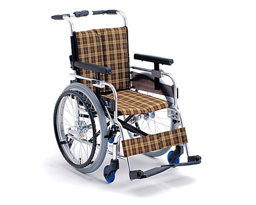 アルミ自走式車椅子 6輪車 MQ-40N ミキ 【smtb-kd】【介護用品】