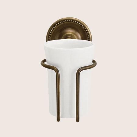 至高 配送員設置送料無料 大人アンティークな風合いのこげ茶色のグラスホルダー 真っ白な陶器のコップ 640621 真鍮製グラスホルダー 陶器のコップ アンティークブラス アンティーク調ダークブラウン