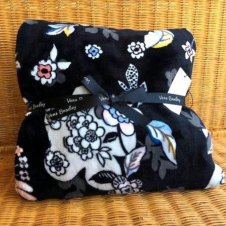 信託 ずっとくるまっていたい ふわふわで柔らかなブランケット 送料無料 限定1個 Vera Bradley ヴェラブラッドリー ブランケット ブランド買うならブランドオフ Throw マイクロフリース Holland Blanket Garden Plush