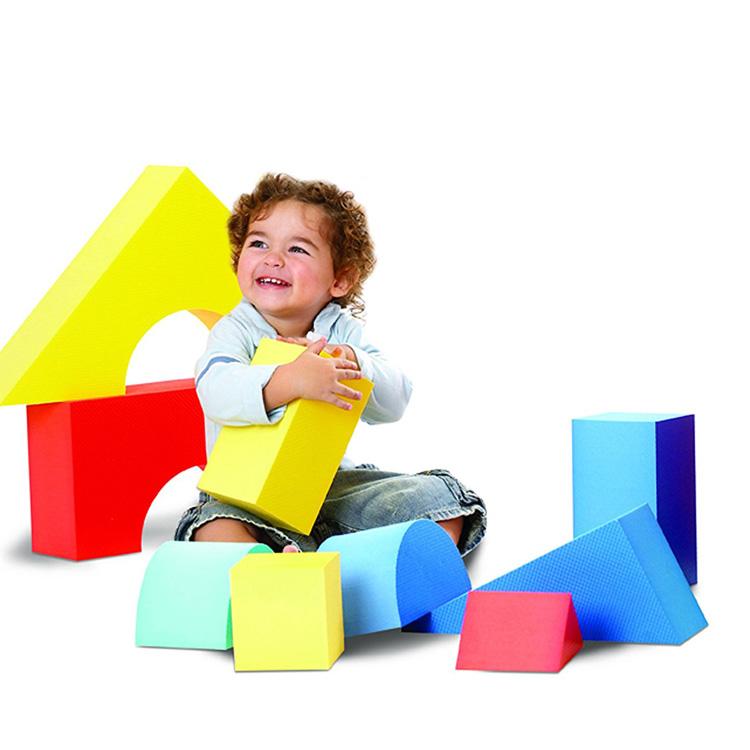 Online ONLY(海外取寄)/ エドシェイプ 大型 ブロック 16個セット おもちゃ ジャイアント ソフト カラー ブロック EduShape 706145