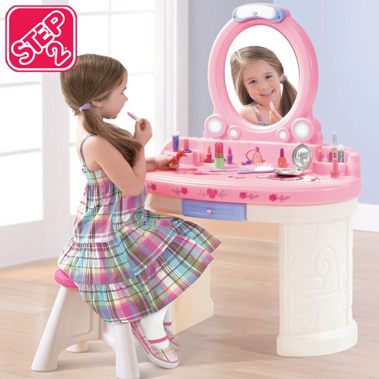 Online ONLY(海外取寄)/ ステップ2 ファンタジー バニティー 3歳から 女の子 ごっこ遊び STEP2 75790