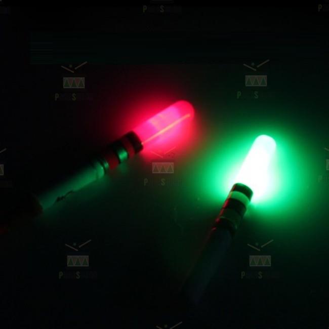 夜釣りに最適 ☆ LED ケミホタル 保障 安全 37 レッド グリーン ライトスティック 各色2本 ケミライト 送料込み 電池4個付き デンケミ 合計4本