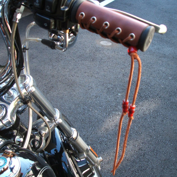 ◆ 自行車手柄蓋 ◆ 美國皮革摩托車零件本田川崎雅馬哈哈雷鈴木皮革條紋手工製作自訂零件由車由車專案
