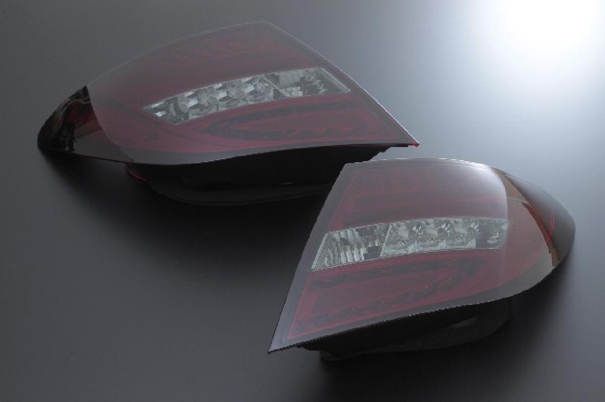 SONAR(ソナー) テールライト メルセデス・ベンツ Cクラス LED ライトバー テール レンズ レッド&スモーク 07-11BENZ W204 C-CLASS 前期