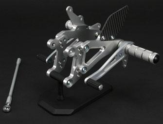 SPICE CBR600F/FS/F4i '99~ タクティカルステップ 3ポジション シルバー 0102BS1H601A 【送料無料】(北海道・沖縄除く)