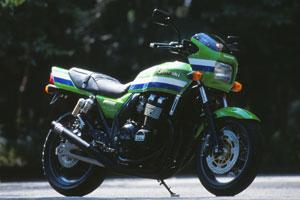 【○在庫あり→3月17日出荷】モリワキ ZRX400('94-'97)用 ONE-PIECE BLACK 01810-40220-01