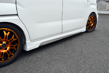 サイドステップ【ブレス】ウェイク サイドステップ 塗装済 パールホワイト3 W24