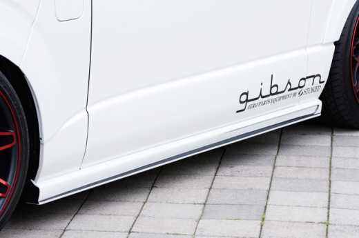 サイドステップ【ギブソン】ハイエース 200系 1-4型 標準ボディ グラファム・サイドステップ 塗装済 [209]ブラックマイカ 塗分け無