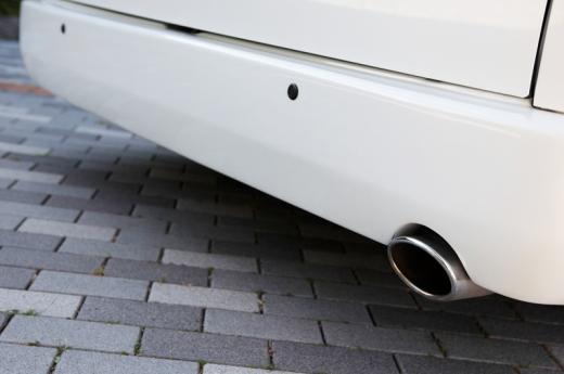 リアバンパー【ギブソン】ハイエース 200系 1-4型 ワイドボディ ミドル リアバンパー 塗装済 (070) ホワイトパール 4ドア