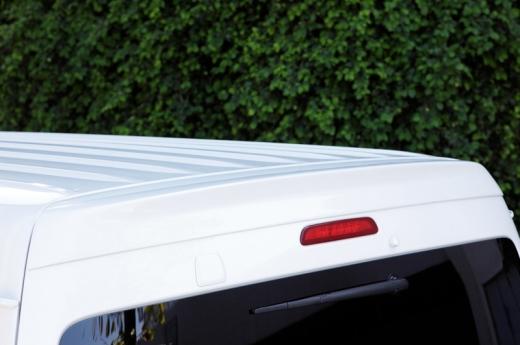 ルーフスポイラー / ハッチスポイラー【ギブソン】ハイエース 200系 1-4型 ワイドボディ ミドル リアルーフスポイラー 未塗装