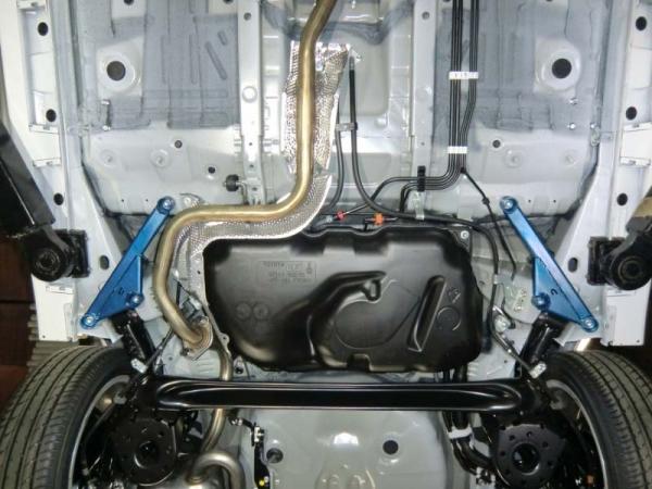 フロアサポート / メンバーサポート【クスコ】ボディ補強パーツ パワーブレース 901 492 RS トヨタ ヴィッツ NSP130