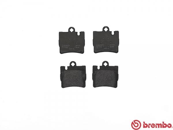【ブレンボ】ブレーキパッド MERCEDES BENZ W220 [ S55S S55SAS55L S55LA220073220173 ][ 99/8~02/10 ][ REAR ] 【 ブラック | Front 4POT/《グレード》AMG S55 】