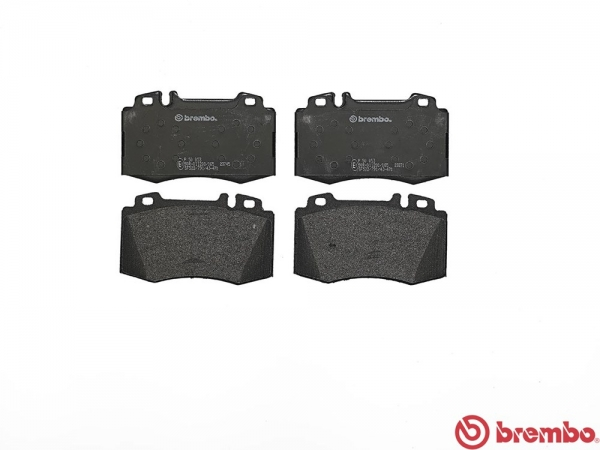 【ブレンボ】ブレーキパッド MERCEDES BENZ W211 (WAGON) [ 211256C ][ 05/02~10/02 ][ FRONT ] 【 レッド   車台No.→A832532(Sport Package含む)/《グレード》E350 】
