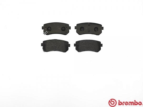 【ブレンボ】ブレーキパッド HONDA シビック [ FD3 ][ 05/09~ ][ REAR ] 【 セラミック | VSA付/Rear DISC 】
