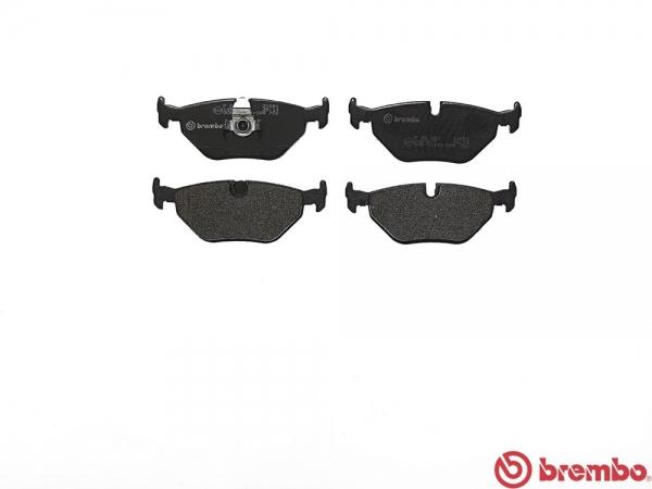 【ブレンボ】ブレーキパッド BMW E39 (SEDAN)[ 97/9~03/07 ][ REAR ] 【 ブラック   《グレード》535i 】