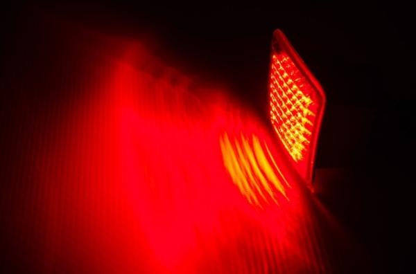 【シャイニングスピード】【 Z34 】フェアレディZ 純正LEDバックフォグ (ブラック、他車種流用)