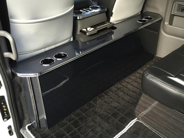 E26 NV350 キャラバン CARAVAN | インテリア その他【レガンス】NV350キャラバン E26 標準ボディ プレミアムGX/ワゴンGX パーソナルカウンターテーブル ドリンクホルダー×4個(左右) ボルテージ+USBポート付 マットレッド