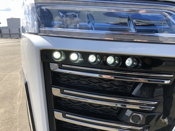 30 ヴェルファイア | フロント デイライト【シックスセンス】ヴェルファイア 30系 後期 Zグレード LEDデイランプキット 未塗装