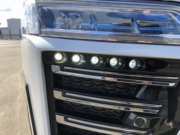 30 ヴェルファイア | フロント デイライト【シックスセンス】ヴェルファイア 30系 後期 Zグレード LEDデイランプキット メーカー単色塗装