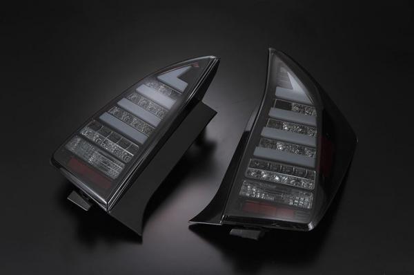 30 プリウス | テールライト【フォーピース】プリウス LED TAIL LAMP 流れるLEDウインカー スモーク/ブラッククローム