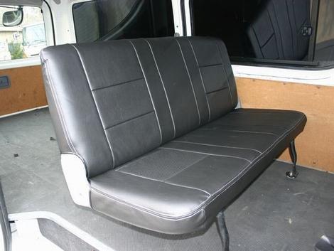 200 ハイエース | シートカバー【ティスファクトリー】ハイエース 200系 標準ボディ バンDX用 シートカバー 1台分 イエローステッチ