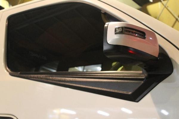 【ボディライン】NV350キャラバン ドアアウターパネル 革シボ・素地 カラー 革シボ