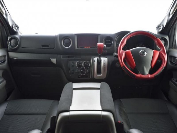 【ボディライン】NV350キャラバン ダッシュパネル カーボン 自動ブレーキ:なし