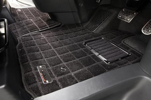 E120 カローラランクス | フロアマット【エムアイシー】カローラランクス 120系 フロアマット スクエア 4WD フットレスト有り車 ヒールパット付き