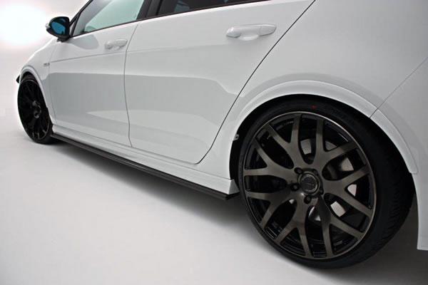 フォルクスワーゲン ゴルフ 7 VW GOLF VII | サイドステップ【ガレージベリー】VW GOLF 7 グレード:R (2014/2~) サイドステップ カーボン製