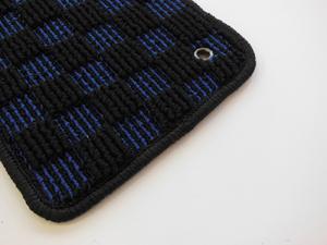 ザ・ビートル   フロアマット【ハルトデザイン】The Beetle フロアーマット(check)前後4セット ブルー 左ハンドル マットタイプ:ボタン フチカラー:ネイビー