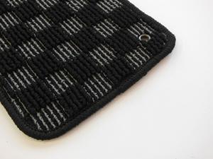 ザ・ビートル | フロアマット【ハルトデザイン】The Beetle フロアーマット(check)前後4セット ブラック 左ハンドル マットタイプ:ボタン フチカラー:シルバー