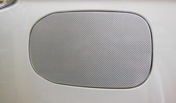 【ハセプロ】マジカルカーボンシート 三菱 アウトランダー PHEVのみ GG2・3W(13.1~) 充電側フューエルリッド ガンメタ