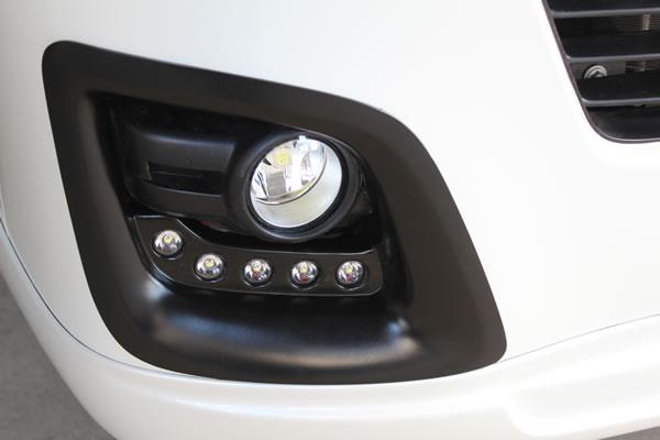 E26 NV350 キャラバン CARAVAN | フロント デイライト【ガレージベリー】NV350キャラバン 標準ボディ デイライトキットパネル LED付