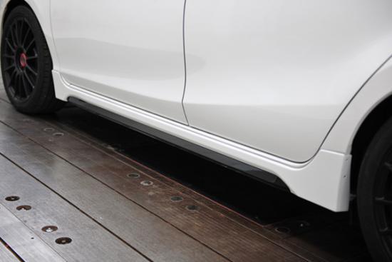 サイドステップ【ノブレッセ】アクア タイプユーロ サイドステップ 塗分塗装済 ライムホワイトパールクリスタルシャイン (082)×ブラック
