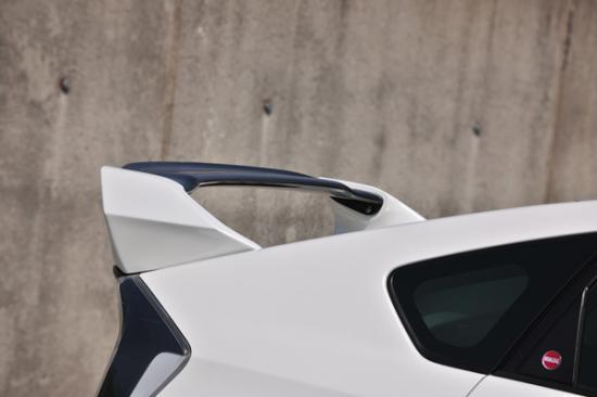 リアウイング / リアスポイラー【ノブレッセ】プリウス 30系 リアウイング FRP製 塗装済 シルバーメタリック (1F7)/ブラックメタリック