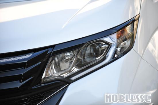 アイライン【ノブレッセ】ステップワゴン RP アイライン 塗装済 スーパープラチナメタリク (NH704M)