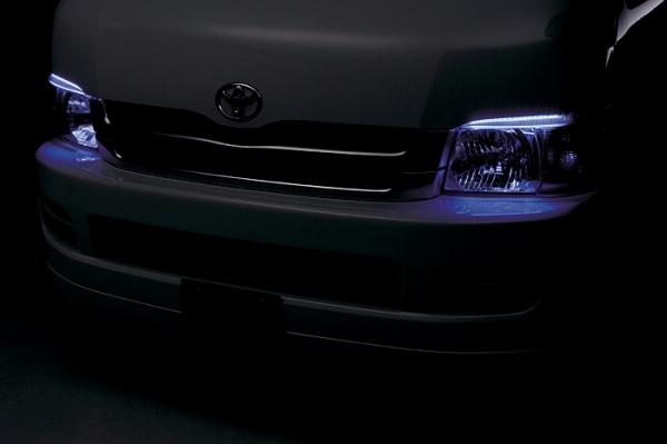 200 ハイエース ワイド | アイライン【ボクシースタイル】ハイエース 200系 1/2型 ワイドボディ クリスタルアイ LEDカラー:ブルー