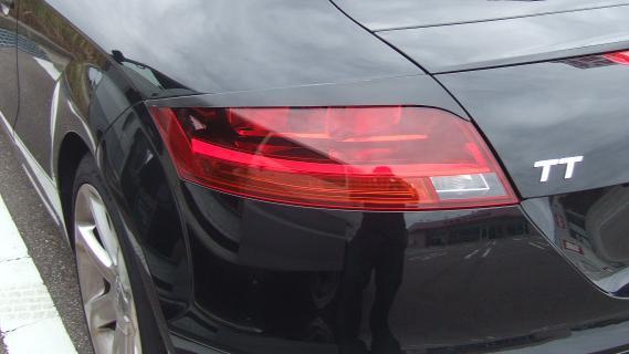 Audi TT 8J | テールガーニッシュ / テールライトカバー【シルキーシャークプロジェクト】Audi TT 8J テールレンズガーニッシュ TYPE1 平織りブラックカーボン クリア塗装済