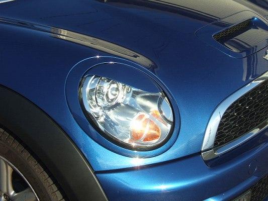BMW Mini R55/56 | アイライン【シルキーシャークプロジェクト】MINI R56系 アイライン Type1 FRP未塗装・黒ゲルコート仕上げ