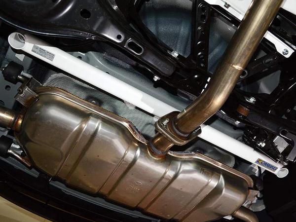 BM アクセラ | 補強パーツ / 室外 その他【オクヤマ】アクセラスポーツ BM2FS リア メンバーブレース Ver.2 スチール製