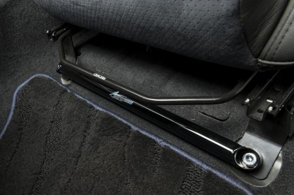 レヴォーグ | フロアサポート / メンバーサポート【オートプロデュース A3】レヴォーグ VM AGRESS フロアサポート フロント レカロシート用 ブラック