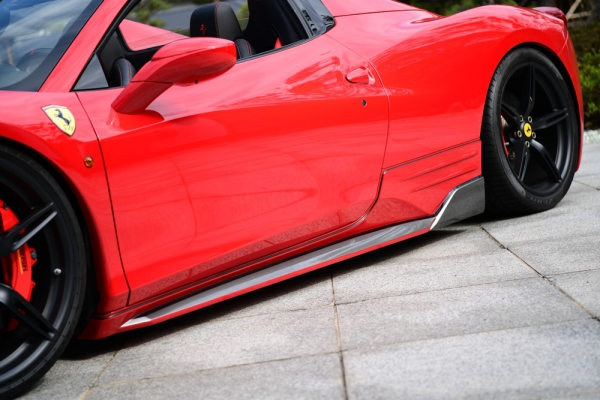 Ferrari 458 Italia | サイドステップ【ノブレッセ】Ferrari 458 サイドステップ ABS製) 未塗装