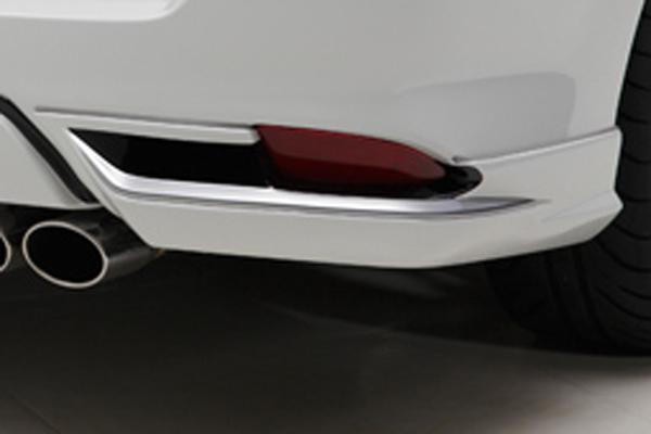 160 カローラフィールダー   リアマットガード / リアサイドスポイラー【トムス】カローラフィールダー 160系 (2015/3-) リアスポイラー 塗装済 シルバーメタリック (1F7)