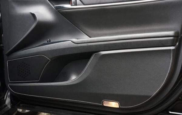 カムリ XV70系 | インテリア その他【トムス】カムリ AXVH70 全グレード ドアキックプロテクター 8ピース (1台分)