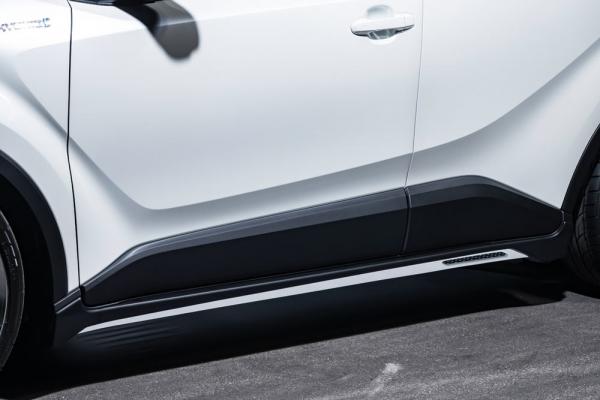 C-HR | サイドステップ【エクスクルージブ ゼウス】C-HR ZYX/NGX 後期 LUV LINE サイドステップ 塗装済ホワイトパールクリスタルシャイン