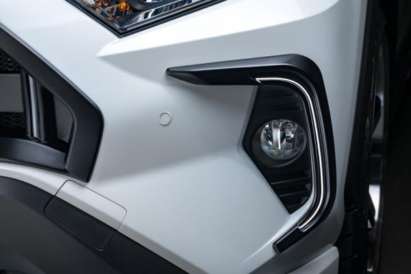 RAV4 XA50 | フロント デイライト【エクスクルージブ ゼウス】新型RAV4 MXAA54/AXAH54 LUV LINE デイライトキット(ラインLED付属) 塗装済マットブラック