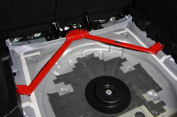 MAZDA2 | 補強パーツ / 室内【オートエクゼ】MAZDA2 DJ系 4WD フロアクロスバー 2ピース構造3点式