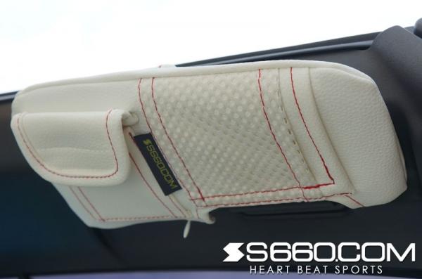 S660 | インテリア その他【S660コム】S660 スパイダー サンバイザーカバー ポケット付 / 生地 レッド / ステッチ ブルー / バニティミラー片側付