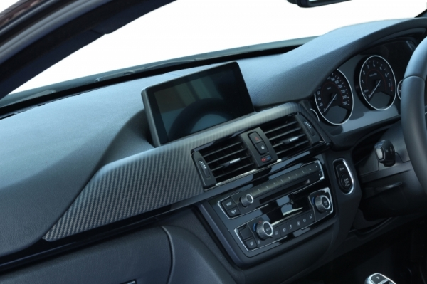 BMW 3 Series F30/F31/F34   インテリアパネル【アールエスダブリュ】BMW 3シリーズ(F30/F31/F34)用 ダッシュパネル(助手席側) 綾織ブラックカーボン製 (マット塗装仕上げ)